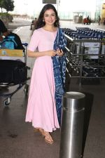 Divya Khosla Kumar Spotted At Airport on 14th Oct 2017 (4)_59e22aa13a05d.JPG