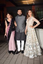 Shilpa Shetty, Raj Kundra, Shilpa Shetty At Arpita Khan_s Pre-Diwali Bash on 13th Oct 2017 (160)_59e2305c7f722.JPG