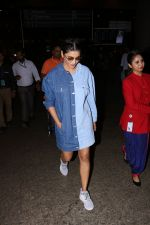 Shruti Haasan Spotted At Airport on 13th Oct 2017 (22)_59e1c3a3e8bca.JPG