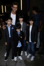 Hrithik Roshan at Exclusive Preview Of Rustomjee Elements on 14th Oct 2017 (81)_59e436cf156ff.JPG