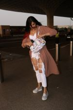 Adah Sharma Spotted At Airport on 16th Oct 2017 (14)_59e5732904591.JPG
