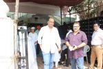 Ashutosh Gowariker attend Chautha Of Lekh Tandon on 17th Oct 2017 (135)_59e7155461782.JPG