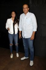 Ashutosh Gowariker, Sunita Gowariker at the special screening of film secret superstar on 17th Oct 2017 (39)_59e7195b1276d.JPG