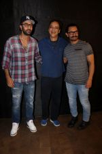 Ranbir Kapoor, Aamir Khan, Vidhu Vinod Chopra at the special screening of film secret superstar on 17th Oct 2017 (11)_59e719af8ceef.JPG