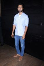 Vicky Kaushal at the special screening of film secret superstar on 17th Oct 2017 (59)_59e71ac4b7b7b.JPG
