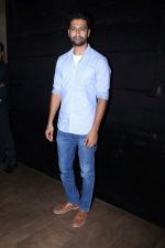 Vicky Kaushal at the special screening of film secret superstar on 17th Oct 2017 (60)_59e71ac54da37.JPG
