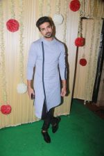Saqib Saleem Attend Ekta Kapoor_s Diwali Party on 18th Oct 2017 (74)_59e81c0840716.JPG
