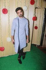 Saqib Saleem Attend Ekta Kapoor_s Diwali Party on 18th Oct 2017 (77)_59e81c0a20510.JPG