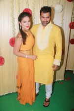 Shabbir Ahluwalia Attend Ekta Kapoor_s Diwali Party on 18th Oct 2017 (22)_59e81c166b7eb.JPG