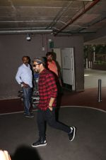 Vir Das Spotted At Airport on 18th Oct 2017 (10)_59e8217f844bb.JPG