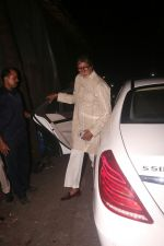 Amitabh Bachchan at Shabana Azmi_s Grand Diwali Bash on 20th Oct 2017 (28)_59ec8e7c0dea2.JPG