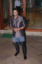Madhavan at Sanjay Dutt_s Diwali party on 20th Oct 2017 (21)_59ec9567d3ab4.jpg
