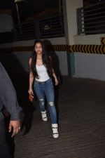 Suhana Khan Spotted At Juhu Pvr on 21st Oct 2017 (7)_59ed89285b16e.JPG