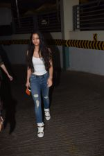 Suhana Khan Spotted At Juhu Pvr on 21st Oct 2017 (8)_59ed8928e8122.JPG