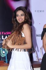 Nidhhi Agerwal At The Press Conference Of India Beach Fashion Week on 23rd Oct 2017 (24)_59eedfc73b4bf.JPG
