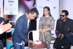 Sophie Choudry, Vikram Phadnis At The Press Conference Of India Beach Fashion Week on 23rd Oct 2017