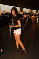 Adah Sharma Spotted At Airport on 25th Oct 2017 (15)_59f095c8d7281.JPG