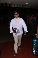 Vivek Oberoi Spotted At Airport on 24th Oct 2017 (3)_59f0212cacbbd.JPG