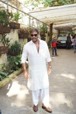 Ajay Devgan watching Golmaal Again with his family at Sunny Super Sound on 26th Oct 2017 (15)_59f2e0569200b.JPG