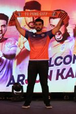 Arjun Kapoor at the Unveiling of The New Face Of Fc Pune City on 26th Oct 2017  (30)_59f2e0717a0de.JPG