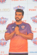Arjun Kapoor at the Unveiling of The New Face Of Fc Pune City on 26th Oct 2017  (5)_59f2e0635b5be.JPG