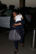 Arpita kHan spotted at airport on 25th Oct 2017 (5)_59f2d14bd9089.JPG