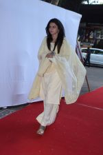 Bhagyashree at prayer meeting of Ram Mukherjee on 25th Oct 2017 (6)_59f2cdbfc25f5.JPG