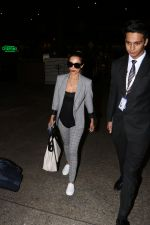 Malaika Arora Khan spotted at airport on 25th Oct 2017 (20)_59f2d1a8ed211.JPG