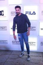 Aashish Chaudhary at Myntra Sneaker Club Organise Pub Crawl on 27th Oct 2017 (91)_59f438c0d683d.JPG