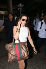Ameesha Patel Spotted At Airport on 28th Oct 2017 (1)_59f46a1a4af90.JPG