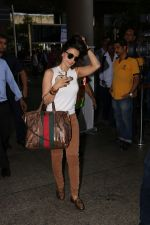 Ameesha Patel Spotted At Airport on 28th Oct 2017 (2)_59f46a1b79908.JPG