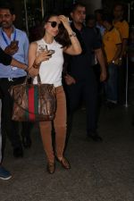 Ameesha Patel Spotted At Airport on 28th Oct 2017 (5)_59f46a20359e3.JPG