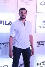 Arunoday Singh at Myntra Sneaker Club Organise Pub Crawl on 27th Oct 2017 (7)_59f438d61b824.JPG