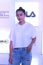 Sayani Gupta at Myntra Sneaker Club Organise Pub Crawl on 27th Oct 2017 (95)_59f43a095ead1.JPG