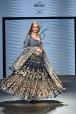 Evelyn Sharma walked on the Ramp for Sukriti and Akriti at IBFW day 2 (Goa) on 28th Oct 2017 (2)_59f54e7c78483.jpg