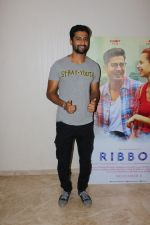 Vicky Kaushal At Special Screening Of Film Ribbon on 29th Oct 2017 (8)_59f6c82be6ae2.JPG