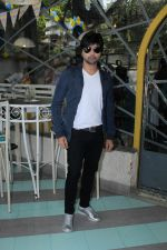 Himesh Reshammiya at the Launch Of The Voice India Kids Session 2 on 30th Oct 2017 (76)_59f8198583aaa.JPG
