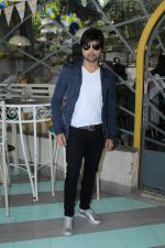Himesh Reshammiya at the Launch Of The Voice India Kids Session 2 on 30th Oct 2017 (79)_59f8198785c7a.JPG