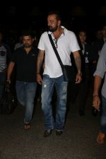 Sanjay Dutt Spotted At Airport on 30th Oct 2017 (17)_59f8193d622c7.JPG