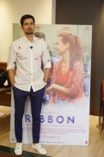 Sumeet Vyas Spotted Promoting Movie Ribbon on 30th Oct 2017 (25)_59f81a789d022.JPG
