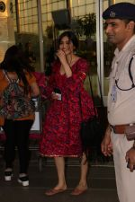 Adah Sharma Spotted At Airport on 1st Nov 2017 (14)_59fac90ebb121.JPG
