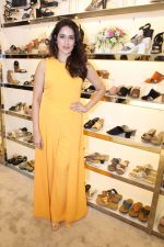 Sagarika Ghatge at the Inauguration Of The New Inc.5 Store on 1st Nov 2017 (20)_59face28930e6.JPG