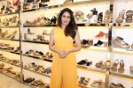 Sagarika Ghatge at the Inauguration Of The New Inc.5 Store on 1st Nov 2017 (22)_59face29d45fc.JPG