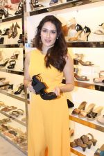 Sagarika Ghatge at the Inauguration Of The New Inc.5 Store on 1st Nov 2017 (27)_59face2ca763b.JPG