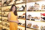 Sagarika Ghatge at the Inauguration Of The New Inc.5 Store on 1st Nov 2017 (3)_59face1eb629b.JPG