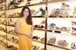 Sagarika Ghatge at the Inauguration Of The New Inc.5 Store on 1st Nov 2017 (5)_59face1fcc2c4.JPG