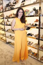 Sagarika Ghatge at the Inauguration Of The New Inc.5 Store on 1st Nov 2017 (7)_59face2100f52.JPG
