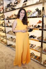 Sagarika Ghatge at the Inauguration Of The New Inc.5 Store on 1st Nov 2017 (8)_59face2191186.JPG