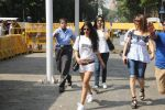 Suhana Khan Way To Alibaug 1st Nov on 2nd Nov 2017 (8)_59faf19dadf41.jpg