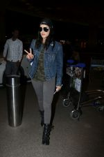 Sunny Leone Spotted At Airport on 1st Nov 2017 (18)_59fad1ed3d65b.JPG